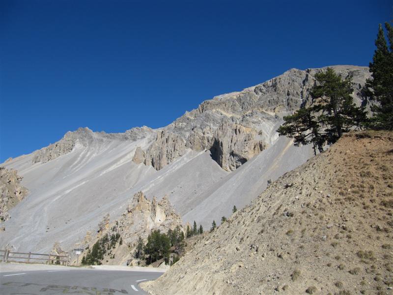 Le Queyras s'ouvre au Briançonnais par le col de l'Izoard casse-deserte-3
